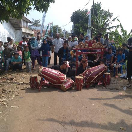 Album : Kelompok Seni Pencak Silat warga Desa Bumiwangi Da